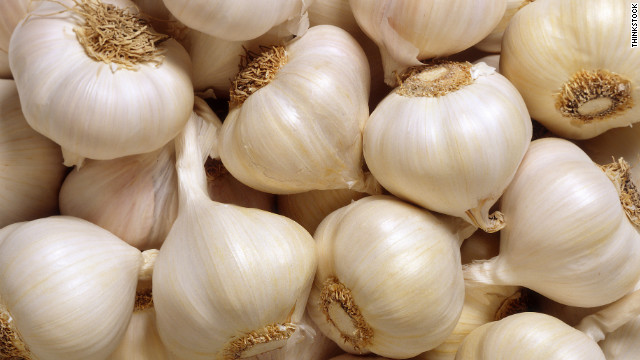 120409030814-garlic-bulbs-story-top